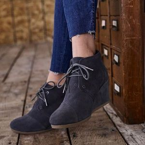 TOMS Kala Wedge Ankle Boots New Grey Suede